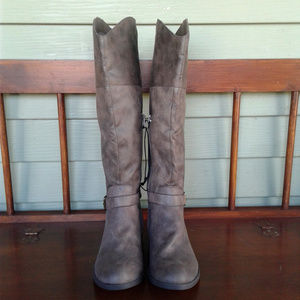 Me too tall women boots size 7M